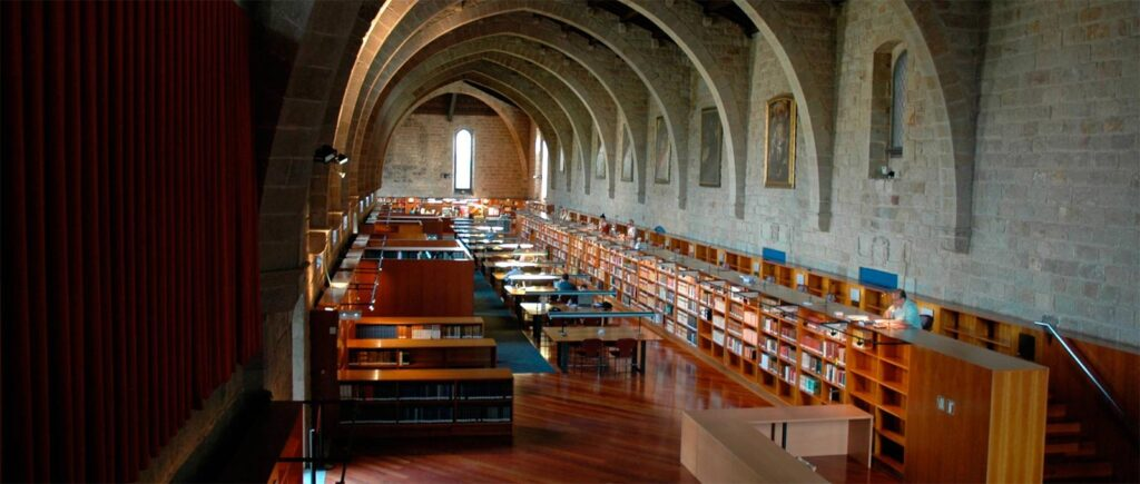 Biblioteca UDE Medellin